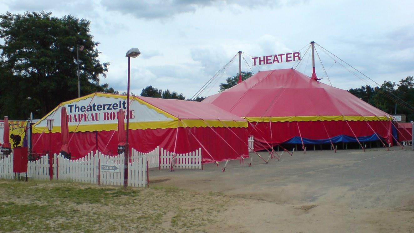 Theaterzelt Chapeau Rouge